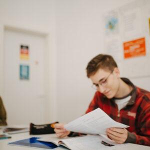 Učenik na času engleskog